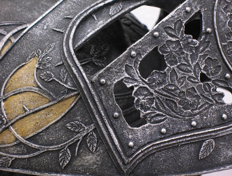 valeryan steel Loras Tyrell Helm details - 2019 Game of Thrones mechandise