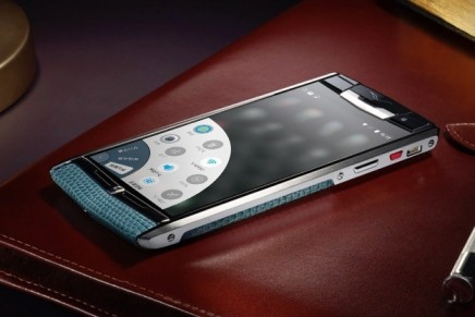 Vertu presents its own Exclusive Version of Hola Launcher