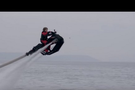 A New Class of Hydroflyer: The skeleton of this marine motorcycle can fly over the water